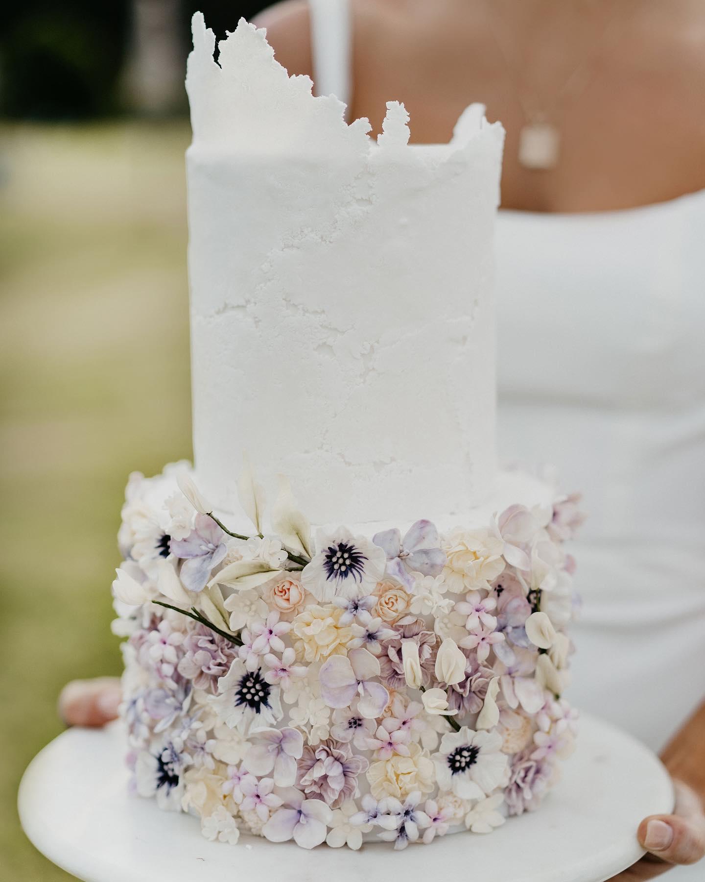 wedding cakes gold coast