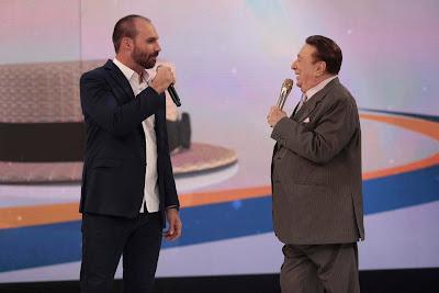 Eduardo Bolsonaro e Raul Gil (Foto: Rodrigo Belentani/SBT)