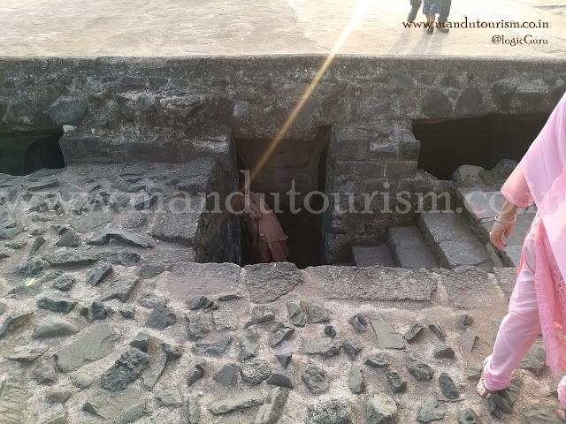 Information about Champa Bawadi Mandu