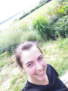 Coureuse souriante fleuve Saint-Laurent