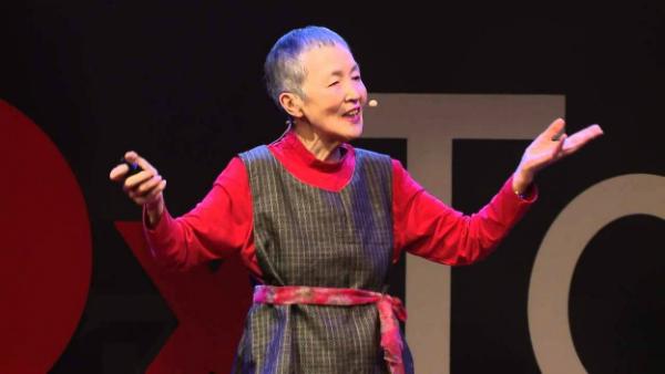 يابانية في عمر 81 سنة تطور تطبيقا للـ آيفون!