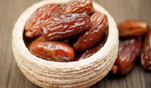 The benefits of dates on the morning