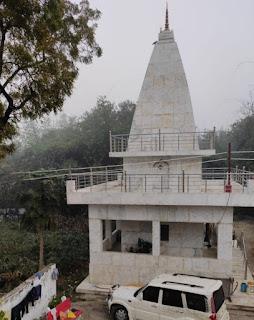 समाजसेवी अनिल सिंह ने केराकत में बनवाया सिद्धेश्वर महादेव मंदिर  | #NayaSaberaNetwork