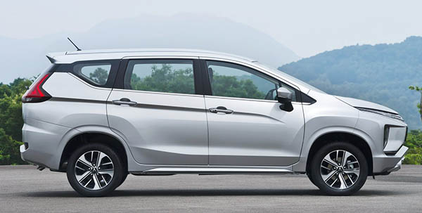 Burlappcar 2018 Mitsubishi Expander