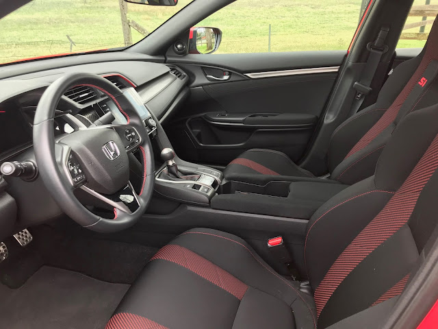 Front seats in 2020 Honda Civic SI