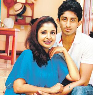Dilhani Ekanayaka With Son