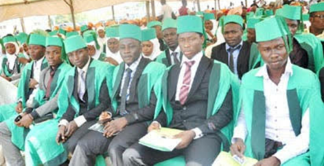 7 REASONS WHY DEGREE HOLDERS ARE POOR