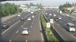 Kendaraan di Tol Cikampek Melonjak 125% di Puncak Mudik Natal