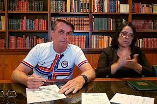 http://vnoticia.com.br/noticia/4377-em-live-bolsonaro-pede-serenidade-e-afirma-que-respeita-os-poderes