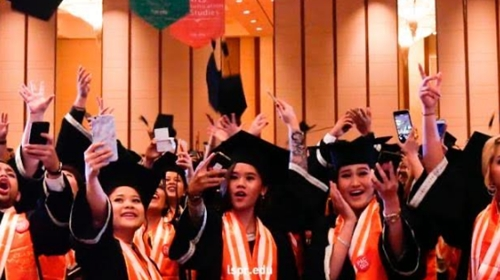 Catatan Rizanto Binol: Hal yang Perlu Diketahui 'Fresh Graduate' Perempuan Sebelum Kerja