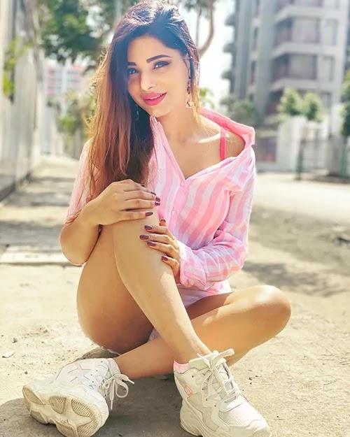 Top Ullu App actress list (part 1) - Hot photos, Instagram, web series and videos.