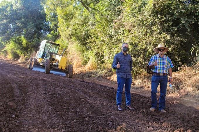 Nova Laranjeiras: Prefeitura está recuperando estradas rurais na Linha Sarandi até o Xagu