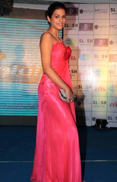 Actress Shraddha Das Throwback Pics Actress Trend