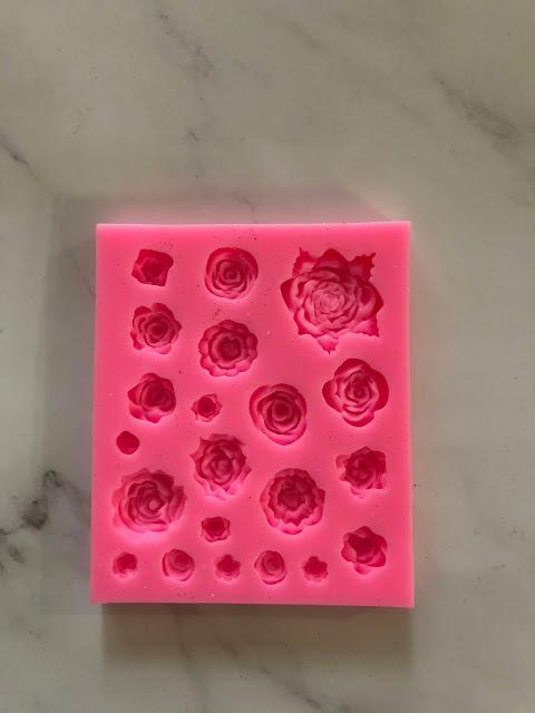 Fondant flowers@thecookiecouture.com
