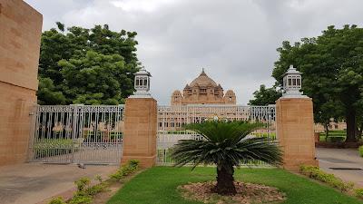 Umaid Bhawan Palace da vicino