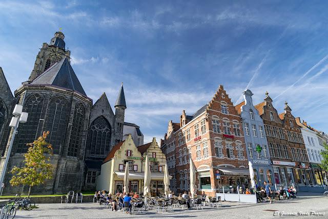 Plaza del Mercado y Colegiata de Santa Valburga - Oudenaarde por El Guisante Verde Project