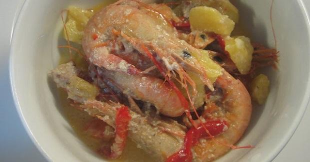 Pininyahang Hipon (Shrimp In Coconut-Pineapple Sauce) Recipe