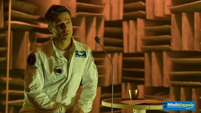 Sinopsis Film Ad Astra 2019 - Astronout yang Mencari Ayahnya di Luar Angkasa
