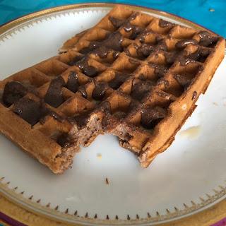 Pâte à tartiner maison à la noisette et au cacao façon Nut'Alsace sur gaufre farine de châtaigne
