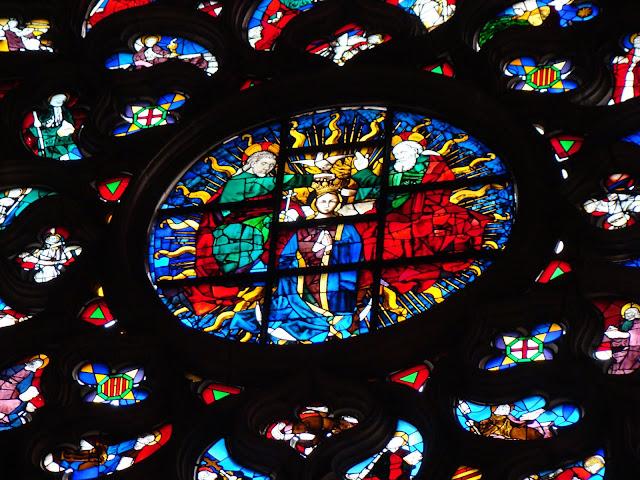 Piękny witraż w Katedrze Santa Maria del Mar