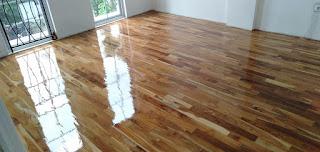 lantai kayu rumah minimalis