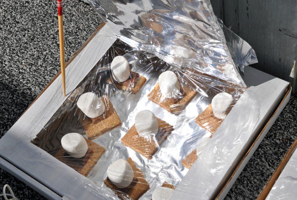 solar oven smores - summer camp ideas