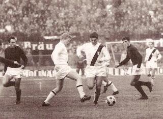 Bologna - Torino 1-0, 3-1-1965. Bulgarelli e Haller.