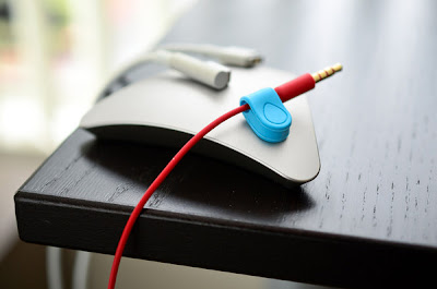 magnetic cord catcher