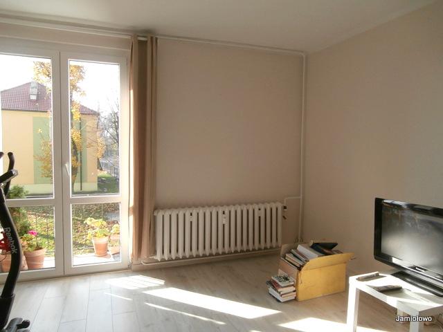 mieszkanie po remoncie -zmiana podłogi, malowanie ścian