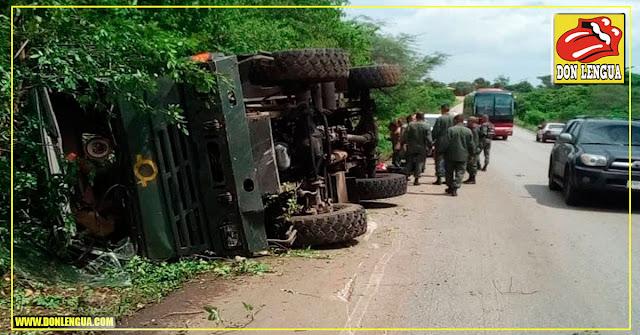 14 Ratas de la GNB quedaron heridas tras volcarse el camión oxidado en el que viajaban