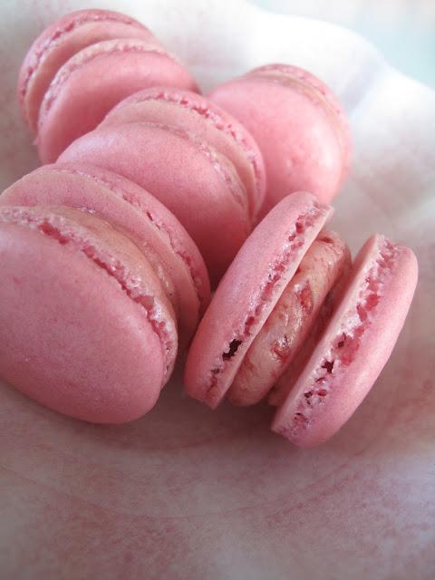 Hallon Macarons