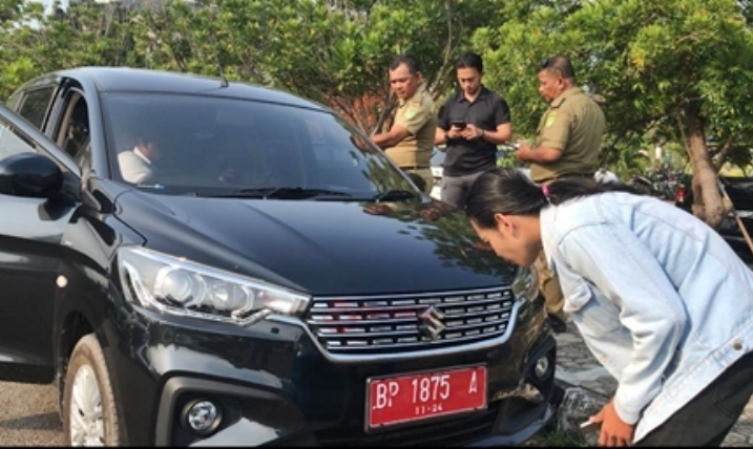 Parkiran DPRD Kota Batam Tidak Aman