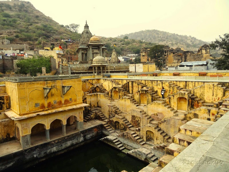 Step Well  - Jaipur Pink City - Rajasthan