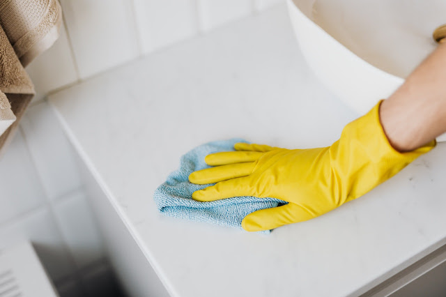 Cleaning Covid-19 rubber gloves