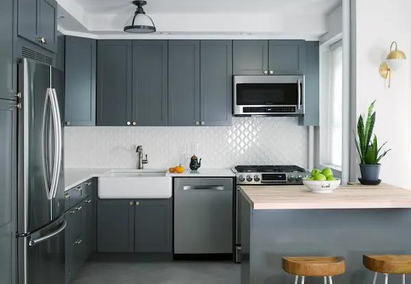 تريدين مطبخ رمادي فاتح أو غامق لا تفوتي عليك أجمل مطابخ باللون الرمادي