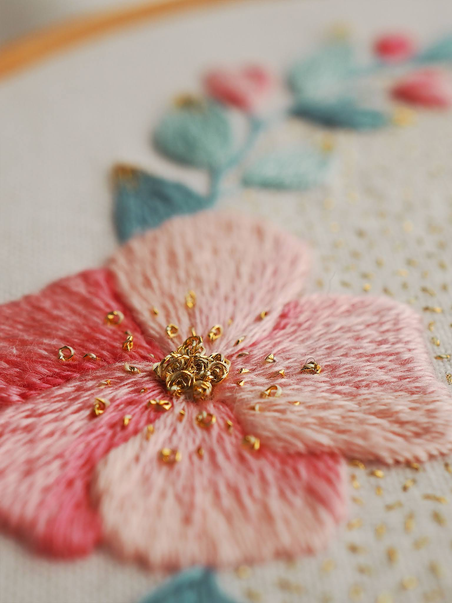 golden thread embroidery