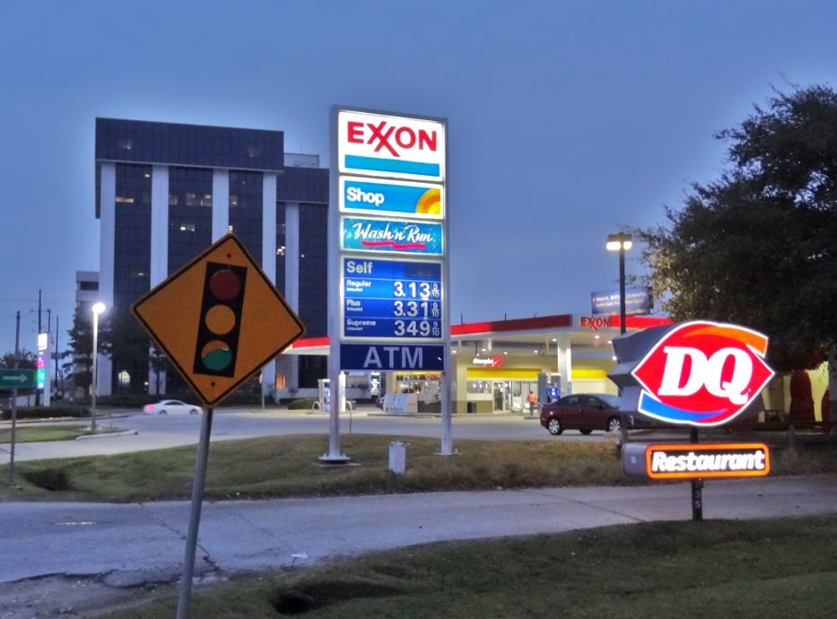 Nearest Gas Stations >> H-Town-West Photo Blog: What's at Highway 6 and Memorial Drive? Two gas stations, a Subway, a ...
