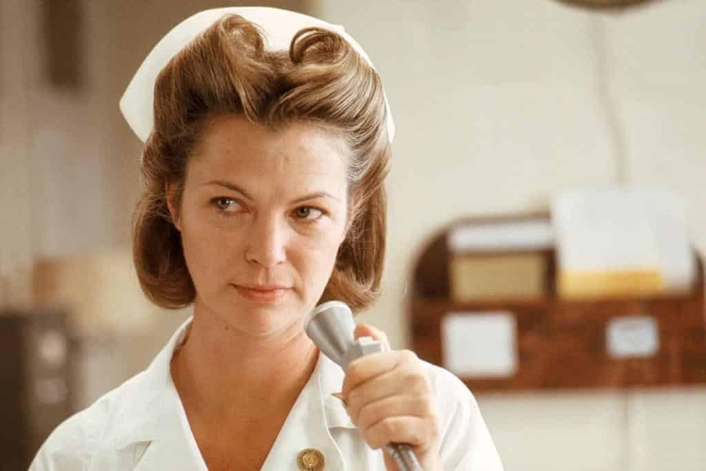 #393 Enfermera singular | Maestro Liendre Cabaret |Blog de Luis Bermejo