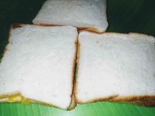 Stuffed bread slices with potato fillings for bread pakora recipe