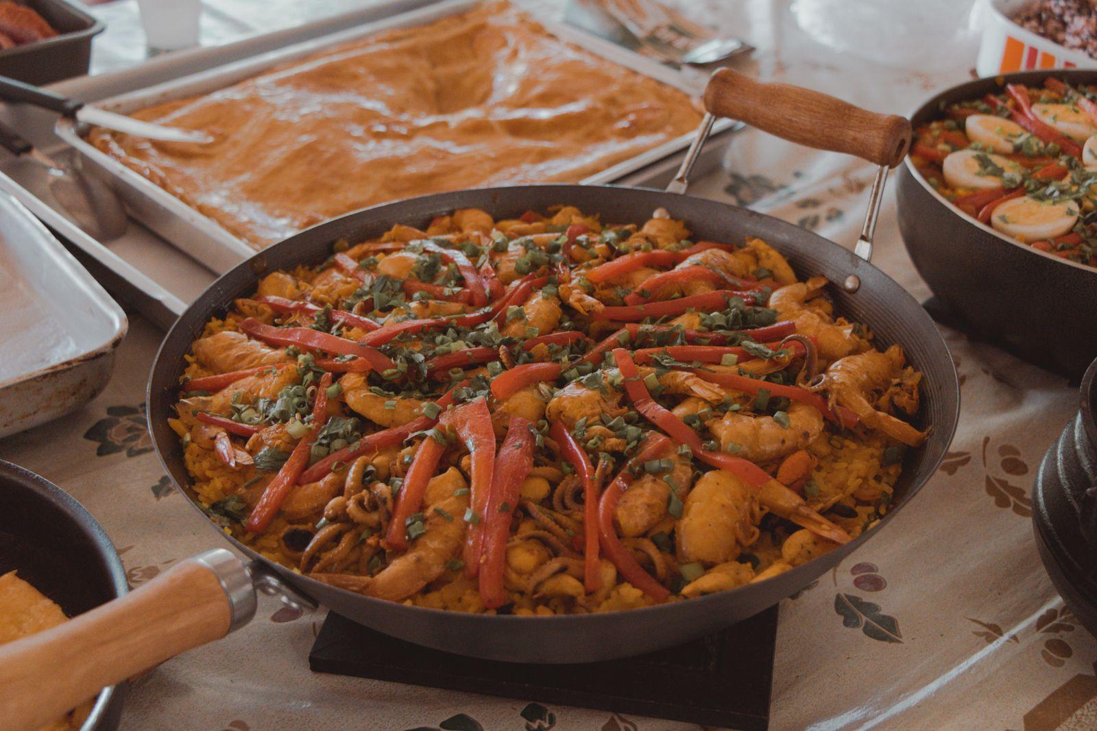 Aniversário com Paella e Corn Dogs pallea frutos do mar