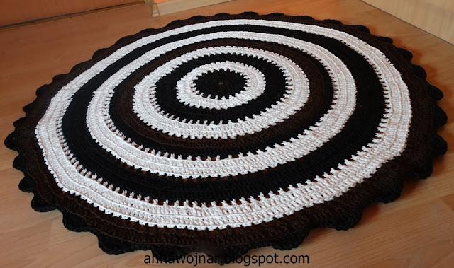 Szydełkowy dywan ze sznurka po raz kolejny :)
