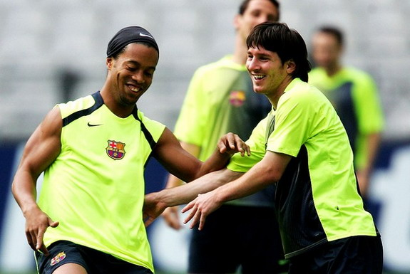 Ronaldinho was a key figure in helping Lionel Messi settle into the Barcelona team