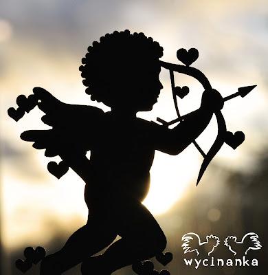 http://wycinanka.net/pl/p/BE-MY-VALENTINE-amorki-z-sercami%2C-3-szt./5615