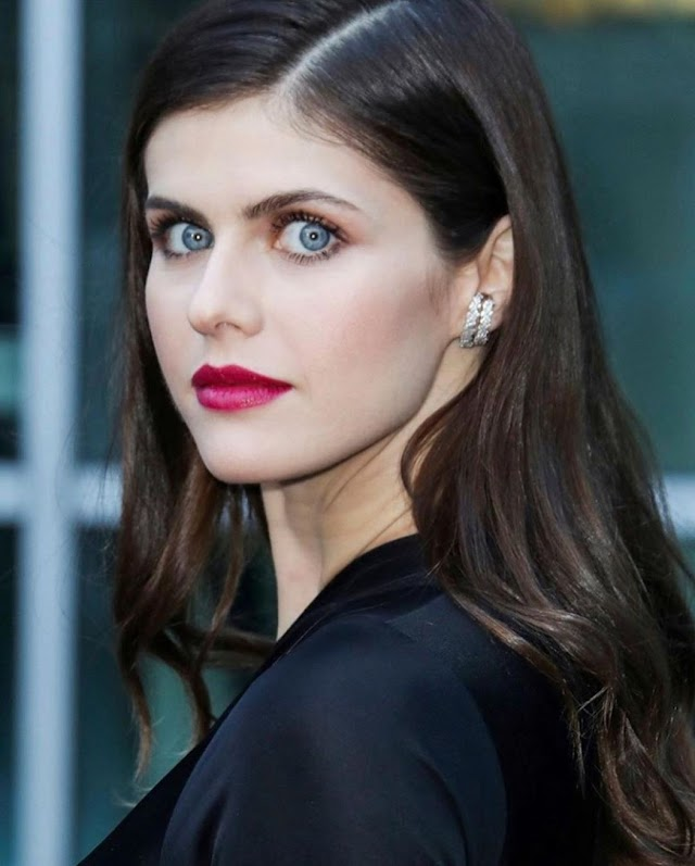 Alexandra Daddario Wiki, Bio,  Age, Height, Weight, Net Worth, Measurements, , Affairs