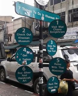 cartel con las 7 cosas que hacer en Khaosan Road