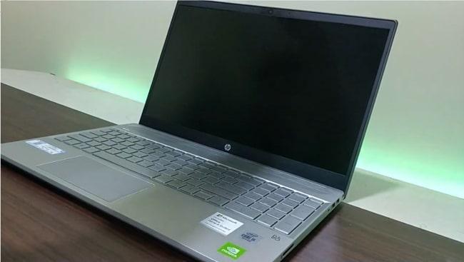 HP Pavilion 15-cs3006tx laptop.