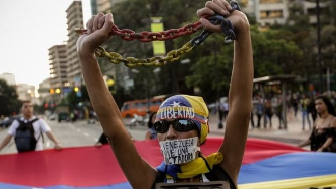 Venezuela: Supreme court backtracks on powers bid