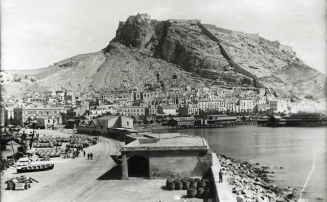 Alicante a finales del siglo XIX. Fotografía de Francisco Ramos Martín (Archivo Municipal de Alicante)