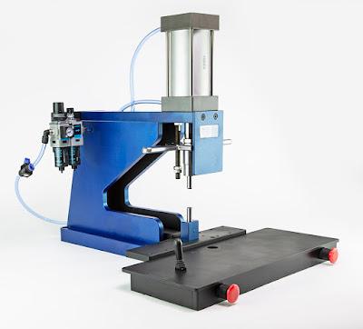 Bench top swaging pneumatic press