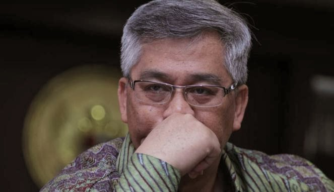 Romi Diperiksa Kpk Update: AKIL MOCTHAR DISUAP 20 MILLIAR OLEH CALON WALIKOTA
